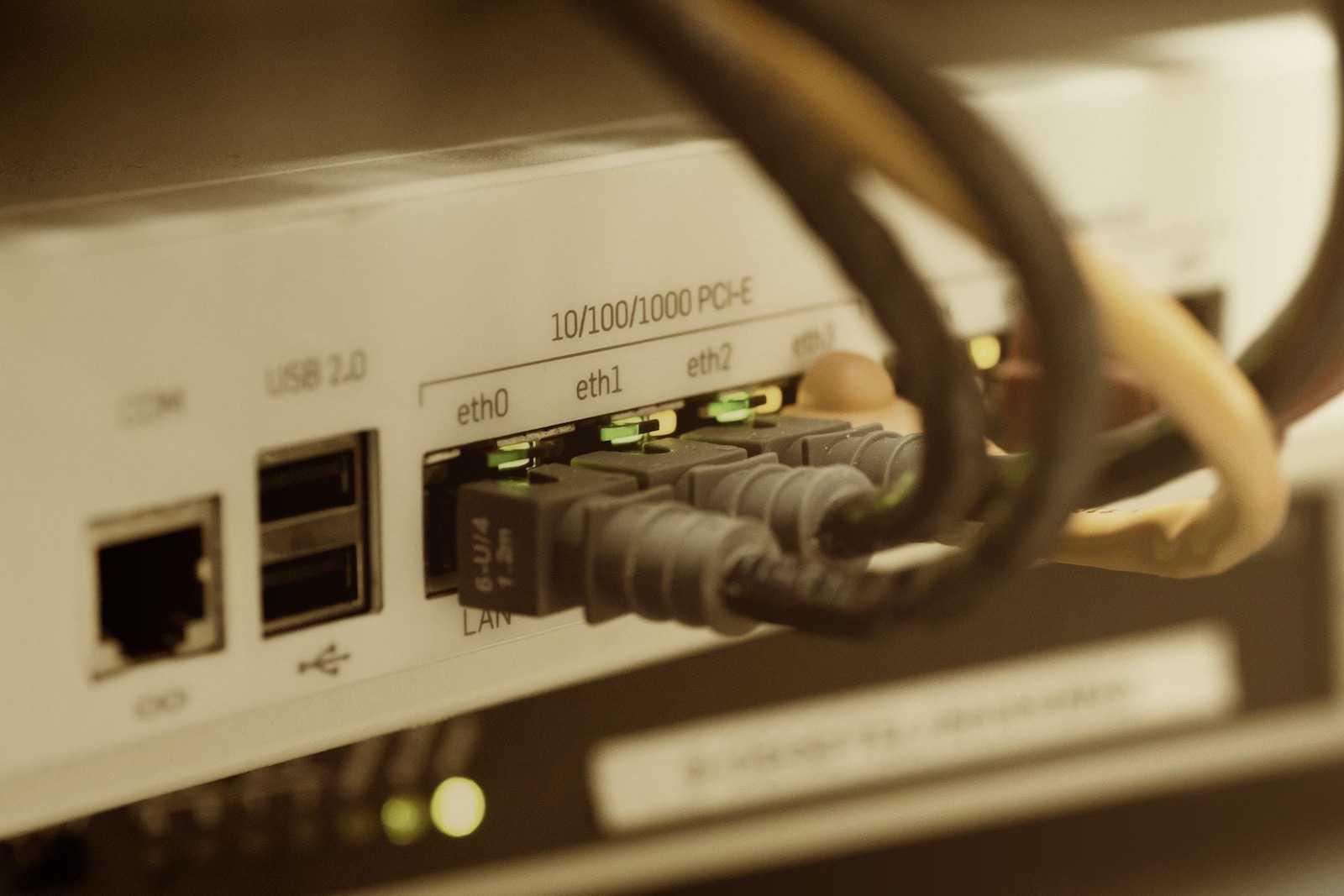 Macでネットワーク接続先の優先順位設定方法と場所や環境毎で設定を保存する方法-アイキャッチ
